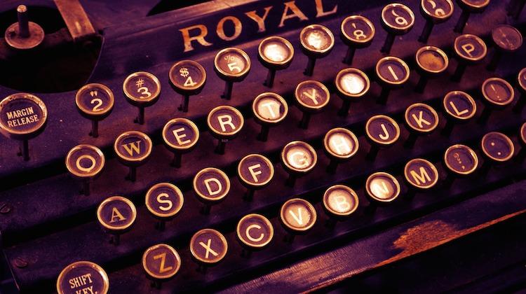 vintage-typewriter-pixabay