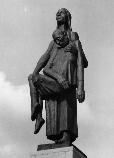 Ravensbrück memorial (Tragende)