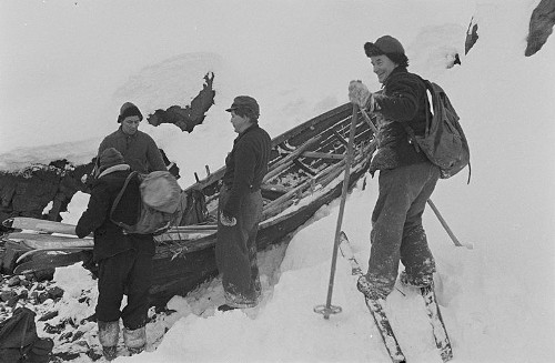 Evacuation of the island of Sørøy, 1945