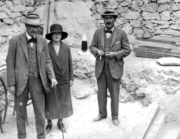 Howard Carter, Lord Carnarvon and Lady Evelyn Herbert at Tutankhamun's tomb